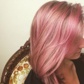That's me! Light pink rose gold hair from juliafwest.com